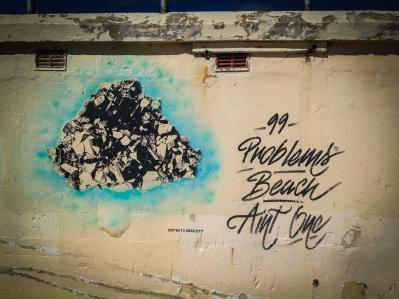 More art on Bondi Beach