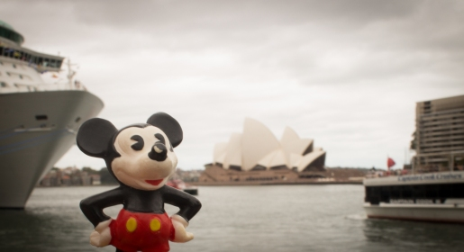 Mickey got a pic taken with the Sydney Opera House.